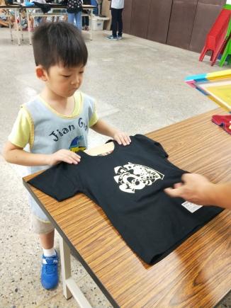 106.9.28 Q Q 龍 T恤絹印活動-
